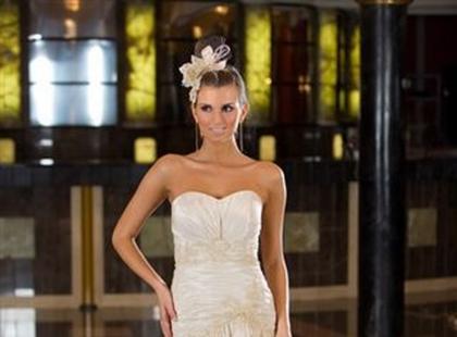 Najnowsza kolekcja mody ślubnej Emmi Mariage