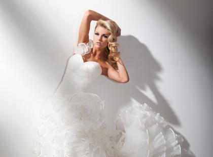 Najnowsza kolekcja sukien ślubnych Tony Bowls Briadal