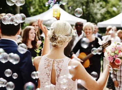 Najpiękniejsze życzenia z okazji rocznicy ślubu – jak je składać?