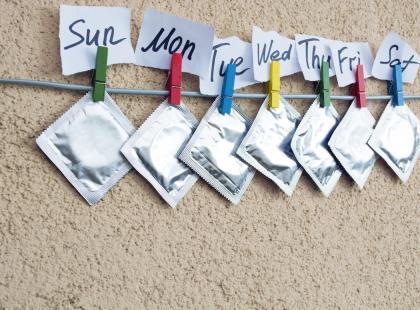 Nakładanie prezerwatywy może być przyjemnością dla was obojga