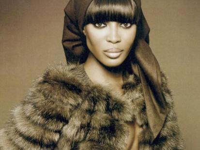 Naomi Campbell broniła zwierząt teraz je nosi!