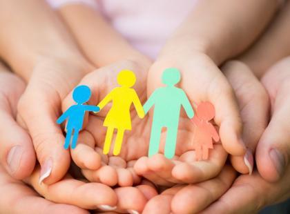 Nastoletnia mama: gdzie szukać pomocy w opiece nad dzieckiem?