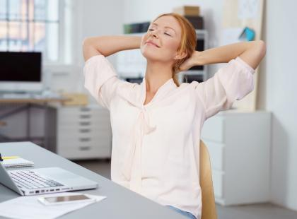 Naukowcy już wiedzą, ile dni w tygodniu powinniśmy poświęcać na pracę. Ta cyfra cię zaskoczy!