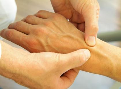 Nawet 400 tysięcy Polaków choruje na reumatoidalne zapalenie stawów