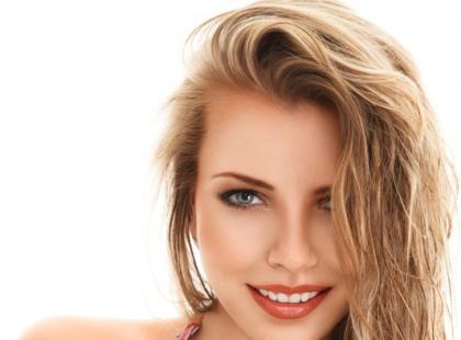 Nawilżanie włosów – sposoby, przykłady kosmetyków