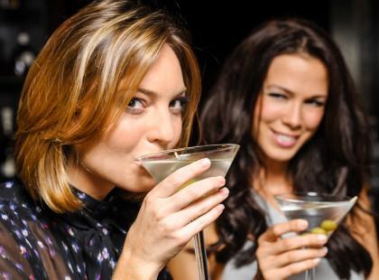 Nie będzie można pić alkoholu po 22.00? Oto nowy pomysł posłów