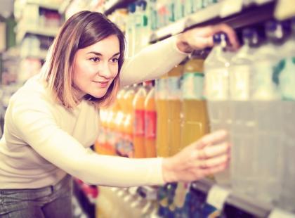 Nie daj się nabrać! Oto 7 rzeczy do jedzenia, których lepiej nie kupować w supermarketach