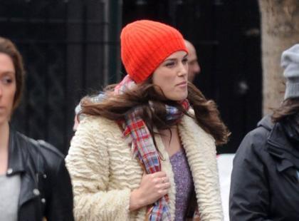 Nie do poznania! Dziwacznie ubrana Keira Knightley na ulicy
