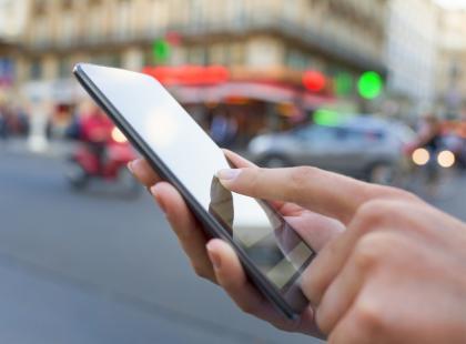 """Nie odpowiadajcie na tego SMS-a, mimo że was kusi. """"Na malucha"""" - nowy sprytny patent na wyłudzanie pieniędzy"""