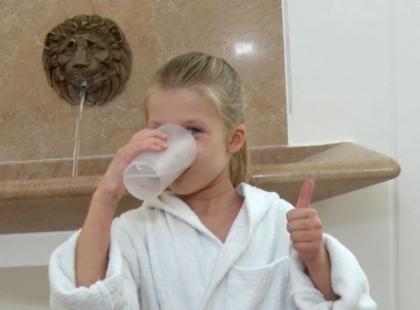 Nie taka zwykła woda – jak Oliwka z AZS odzyskała radość życia dzięki pobytowi w Avène [WIDEO REPORTAŻ]