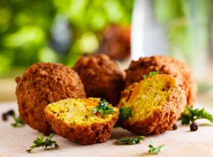 Nie tylko dla wegetarian: przepisy na pyszny falafel