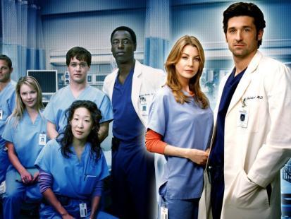 """Nie tylko """"Na dobre i na złe"""" i """" Ostry dyżur"""". Zobacz przegląd najlepszych seriali medycznych ostatnich lat!"""