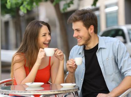 Nie wiesz, o czym rozmawiać na pierwszej randce? Sprawdź!