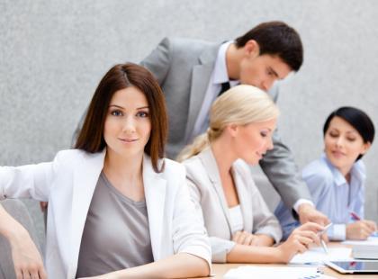 Nieliczne kobiety w zarządach największych spółek w Polsce
