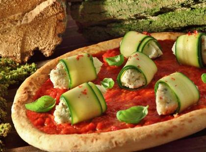 Nietypowa pizza z cukinią