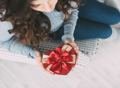 Niezobowiązujące prezenty na walentynki! Propozycje dla każdego