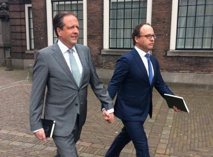 Niezwykły gest holenderskich polityków w obronie par homoseksualnych