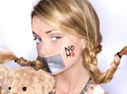 NOH8 - Iza Miko walczy o prawa homoseksualistów