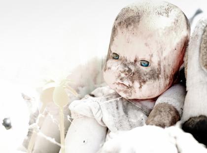 Noworodki znalezione na balkonie w Iławie urodziły się żywe! Jest podejrzenie dzieciobójstwa.