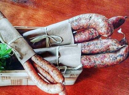Nowość na polskim rynku: do sprzedaży trafiły kabanosy i kiełbasy ze ślimaków!