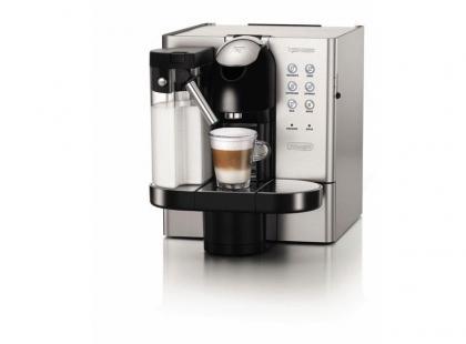 Nowy standard kawy z mlekiem w domu dzięki ekspresowi Lattissima Premium De'Longhi