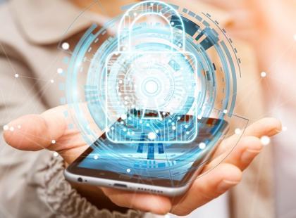 Nowy wirus atakuje telefony z Androidem. Zmienia PIN i szyfruje dane