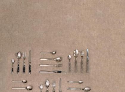 Nożem i widelcem z talerza na talerz
