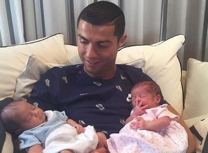 O tej fotce rozpisuje się cały świat. Ronaldo został ponownie ojcem, a matki nikt nie zna