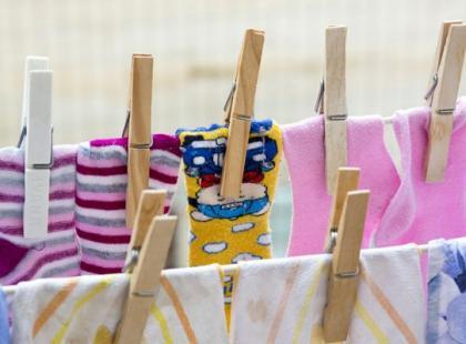 O tym nie wiedziałaś! Poznaj 8 ważnych zasad suszenia odzieży