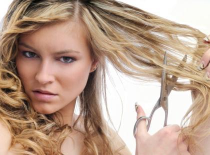Obetnij sobie włosy
