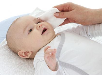 Objawy wad wzroku u niemowlęcia
