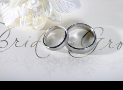Obrączki, prezenty ślubne – co z nimi zrobić po rozwodzie
