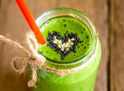 Oczyszcza organizm i dostarcza niezbędnych składników – poznaj moc zielonego jęczmienia!