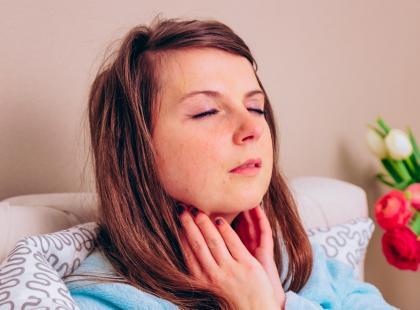 Od inhalacji do antybiotyków, czyli jak leczy się zapalenie krtani?