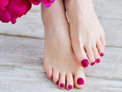 Odciski i obrzęki stóp w ciąży – jak sobie z nimi radzić?