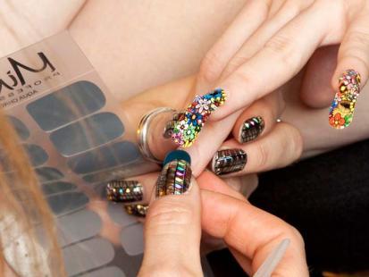 Odjazdowe naklejki na paznokcie, czyli Minx Nails