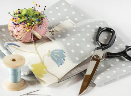 Odpowiednie skrojenie materiału – jak się do tego przygotować?