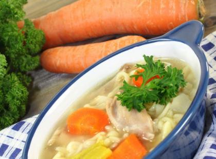Odwieczny przebój niedzielnych obiadów: sprawdź nasze przepisy na rosół!