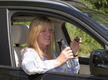 Odwodnieni kierowcy są równie niebezpieczni co nietrzeźwi?