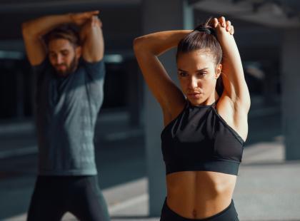 Odżywki białkowe przed czy po treningu? Dowiedz się, kiedy je zażywać i co to daje!