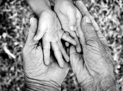Ojciec czy dziadek? Jak myślisz, ile lat ma najstarszy tata w Polsce? Własnie urodził mu się syn