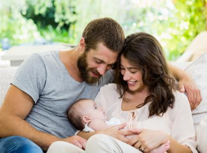 Ojciec usłyszał dziwny płacz córki. Jego czujność uratowała dziecku życie!