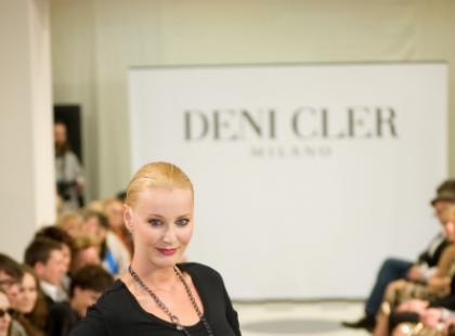Okrycia, sukienki... pokaz Deni Cler jesień-zima 2009/10
