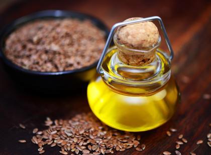 Olej lniany - super źródło nienasyconych kwasów tłuszczowych. Twoje ciało nie potrafi ich wytworzyć!