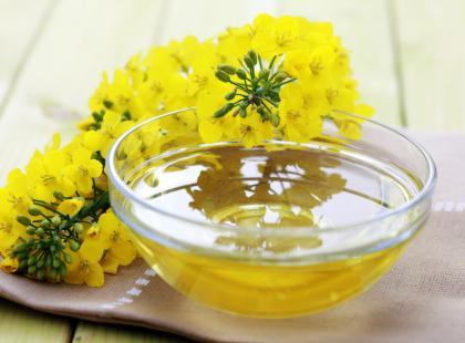 Olej rzepakowy - rafinowany czy tłoczony na zimno?