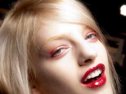 Olśniewający blond na imprezę