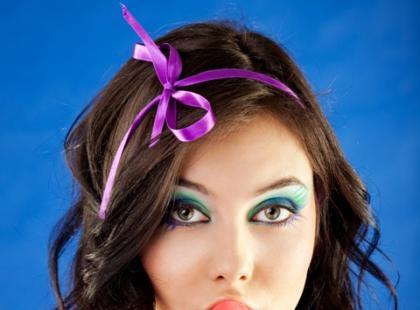 Opaski do włosów w różnym stylu - galeria