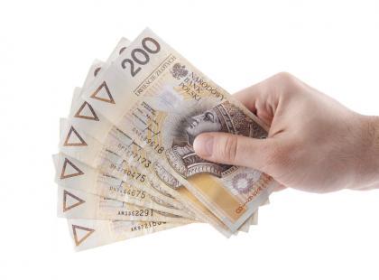 Opłaty za korzystanie z bankomatów a usługa cashback