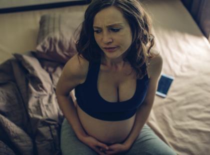 Opóźniony rozwój, astma, predyspozycje do zachorowania na schizofrenię u dziecka – to tylko niektóre skutki stresu w ciąży