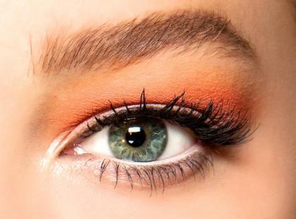 Oranżowy makijaż